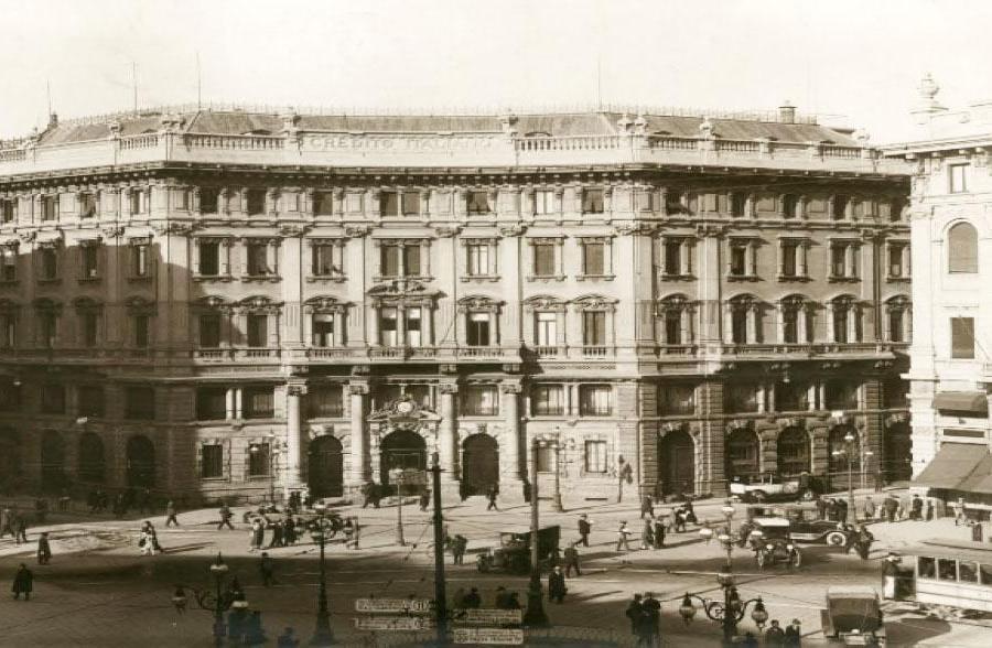 Panorama di Piazza Cordusio negli anni '30