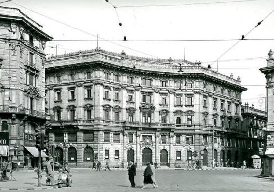 Piazza Cordusio alla fine degli anni '50