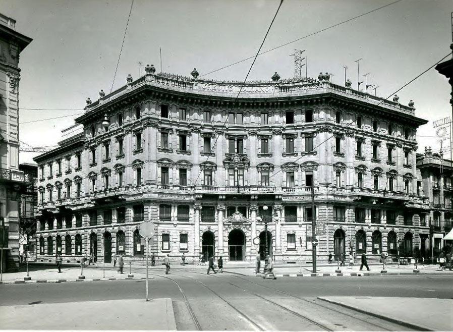 Piazza Cordusio negli anni '60