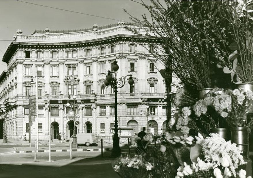 Piazza Cordusio, anni '70