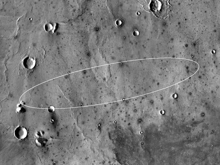 Questa immagine non datata ottenuta dalla NASA e ripresa dall'orbita di Mars Odyssey mostra il sito di atterraggio di destinazione per il lander InSight della NASA nella regione di Mar Elysium Planitia. (Photo by HO / NASA/JPL-Caltech/ASU / AFP)