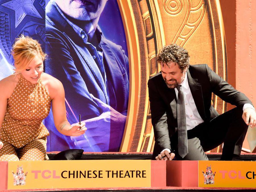 Scarlett Johansson e Mark Ruffalo (Matt Winkelmeyer/Getty Images/AFP)
