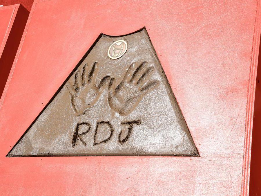 Le impronte delle mani dell'attore  Robert Downey Jr.  (Matt Winkelmeyer/Getty Images/AFP)