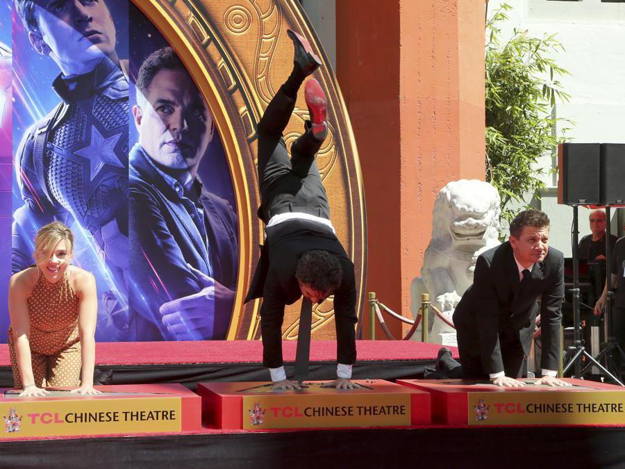 Scarlett Johansson,  Mark Ruffalo e Jeremy Renner.  (Photo by Willy Sanjuan/Invision/AP)