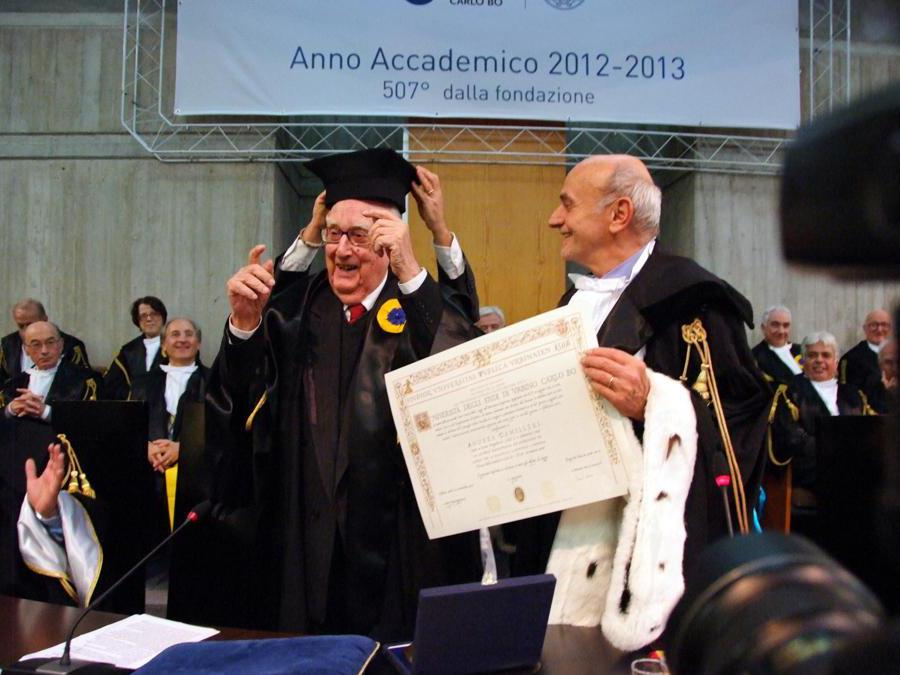 2012, Unversità di Urbino.  Conferimento  ad Andrea Camilleri della laurea honoris causa  (Fotogramma)