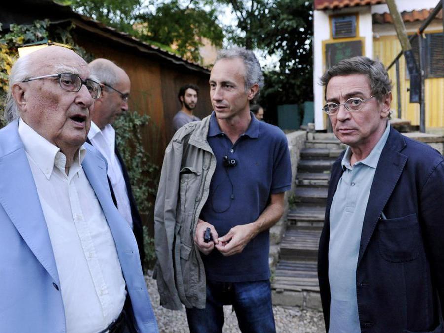 2010, Roma. Da sinistra, Andrea Camilleri, Marco Travaglio e Saverio Lodato,alla presentazione del libro Di testa nostra, presso il Circolo degli artisti (Ansa)
