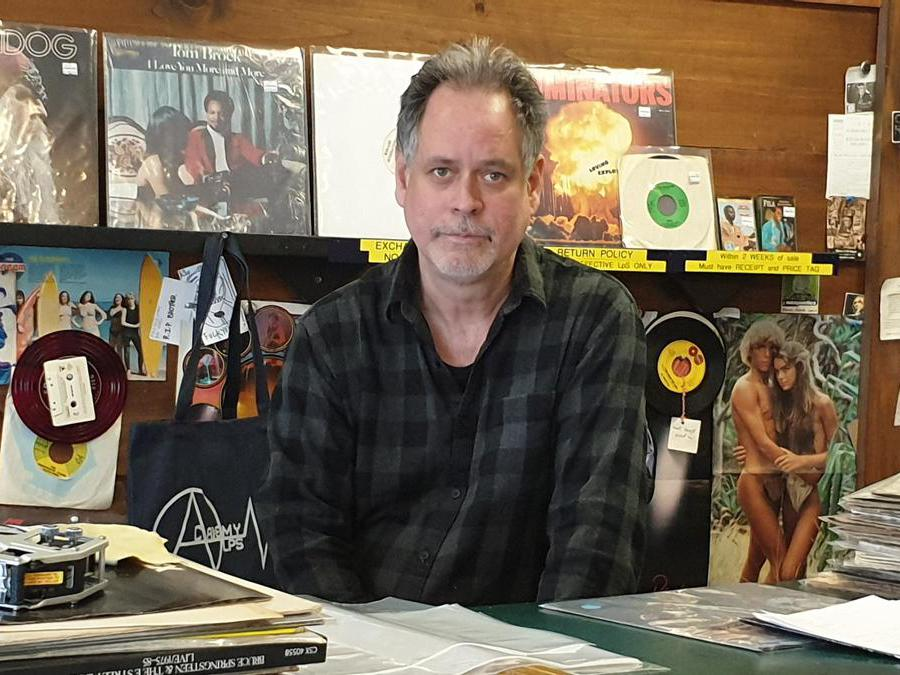 Academy Records (New York). Nella foto il titolare Mike Davis