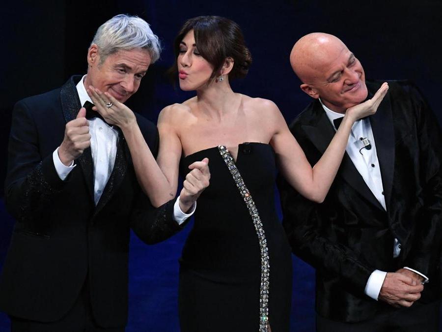 Claudio Baglioni,  Virginia Raffaele e  Claudio Bisio. (Ansa / Ettore Ferrari)