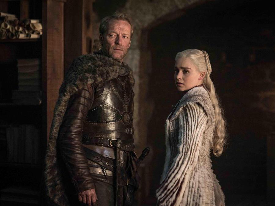 Il cavaliere Jorah Mormont e la regina dei draghi Daenerys Targaryen. (Ansa)