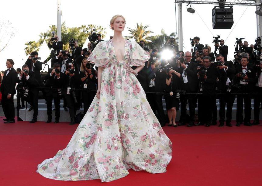 Elle Fanning ha indossato un abito Valentino Haute Couture