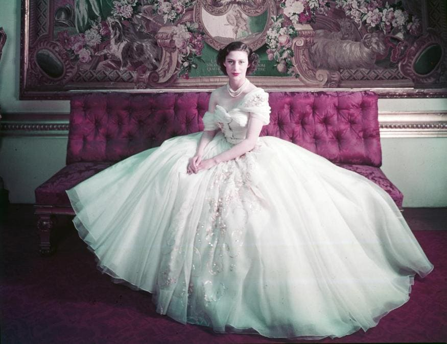 La principessa Margaret in Dior ritratta da Cecil Beaton a Londra nel 1951 © Cecil Beaton, Victoria and Albert Museum, London
