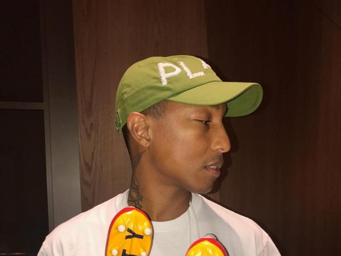 Da Adidas a Chanel, tutte le collaborazioni griffate di Pharrell