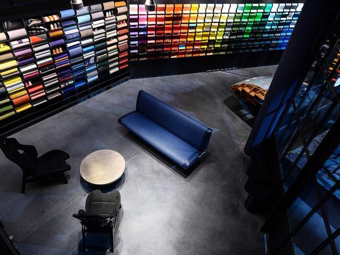Garage Italia, Lapo Elkann inaugura la nuova sede a Milano con Cracco