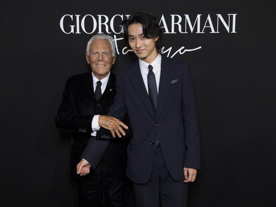 Giorgio Armani con Kento Yamazaki (credit SGP)