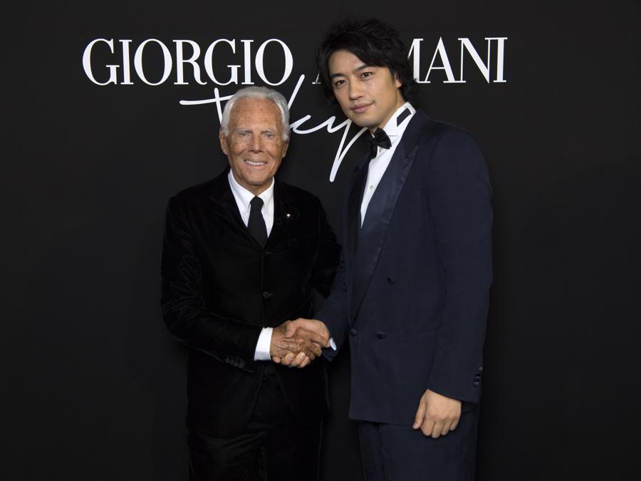 Giorgio Armani con Takumi Saito (credit SGP)