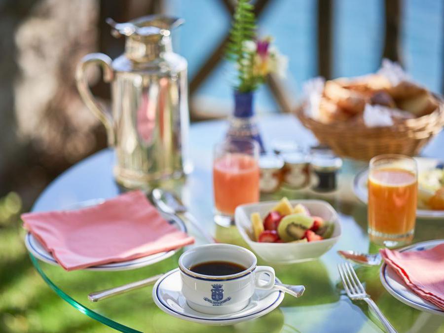 La prima colazione è curata nei minimi particolari. Tutto fresco, selezionato e di stagione.