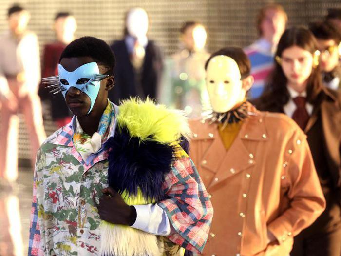 Gucci, la moda come gioco di maschere,  identità   e dettagli