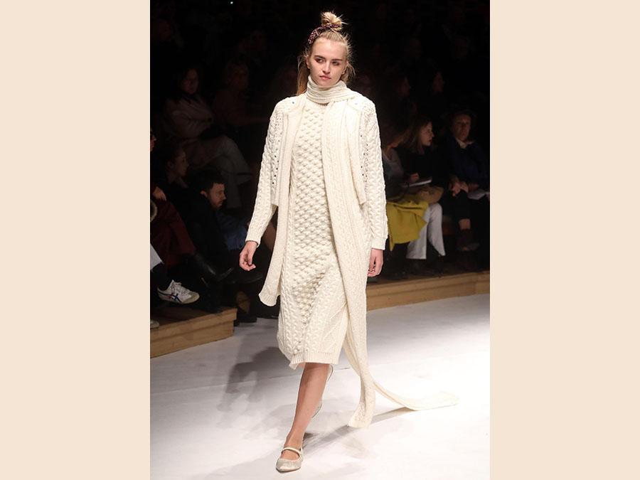 La sfilata  Laura Biagiotti per l'autunno-inverno 2019-20 (ANSA/MATTEO BAZZI)