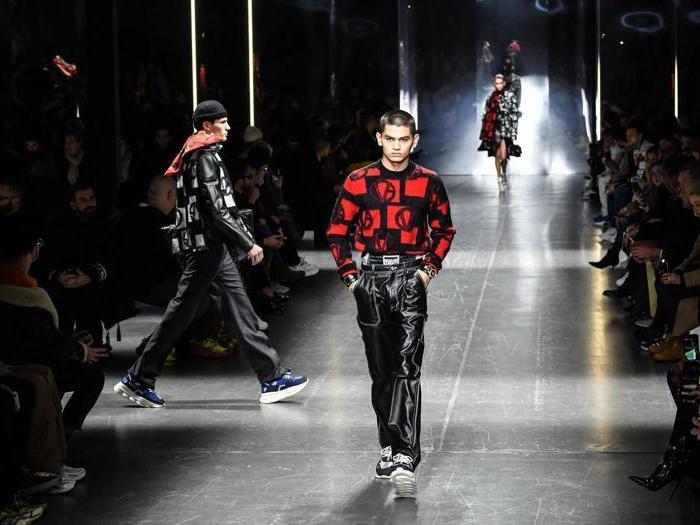""""""" Versace Confidential"""",  a Milano la prima sfilata dell'era statunitense"""