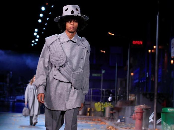 Louis Vuitton, viaggiatori contemporanei di lusso nella street art di New York
