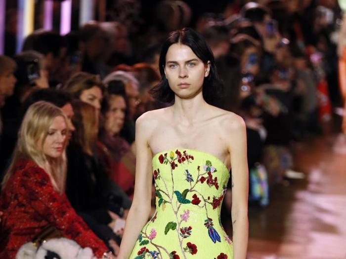 Parigi, la sfilata Schiaparelli apre i giorni della couture