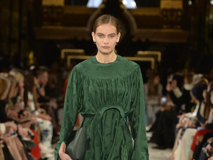 Stella McCartney,  donne forti, consapevoli  e eco-friendly