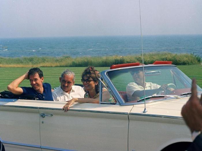 """The Kennedy Years"", una mostra celebra i 65 anni delle nozze fra Jackie e Jfk"