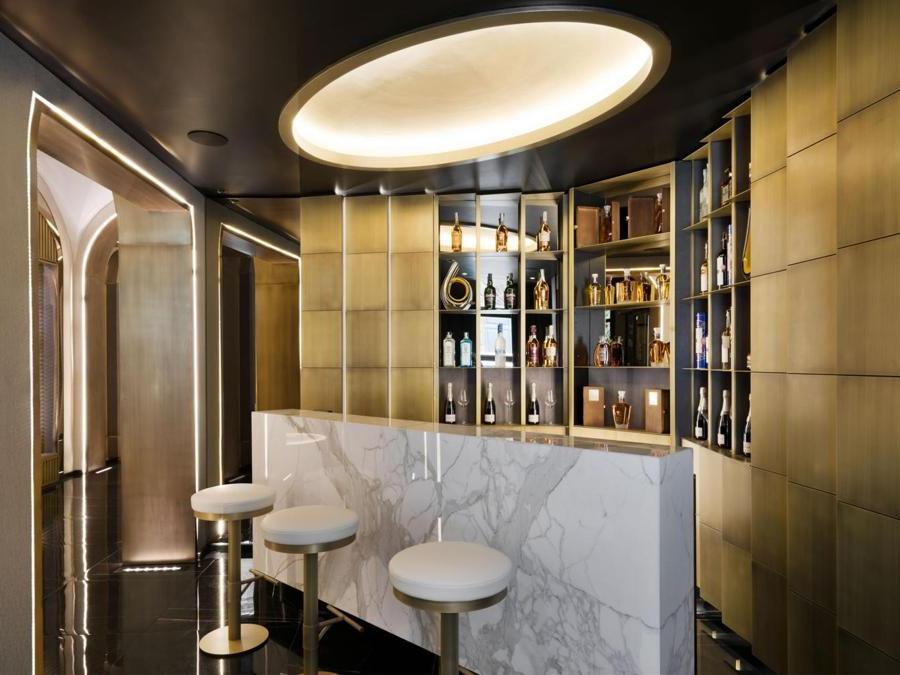 Piano terra, bar