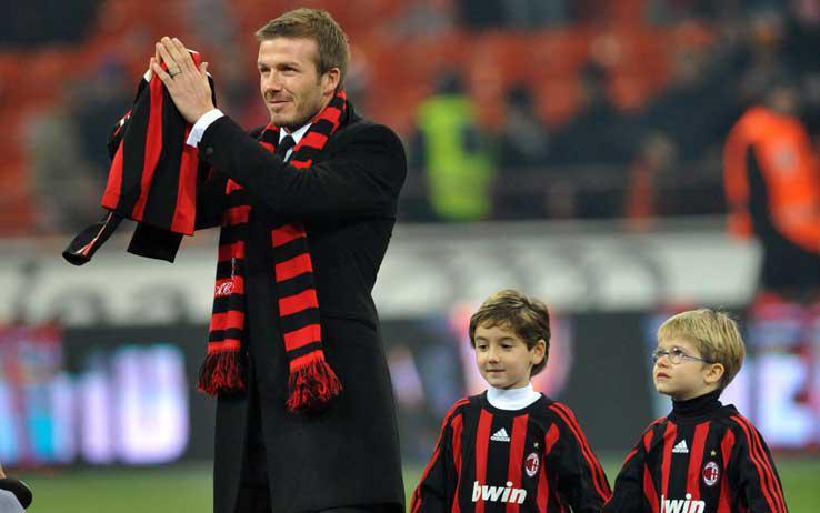 David Beckham  saluta i tifosi del  Milan