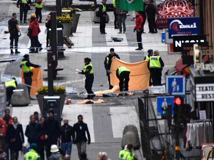 Camion sulla folla in centro a Stoccolma