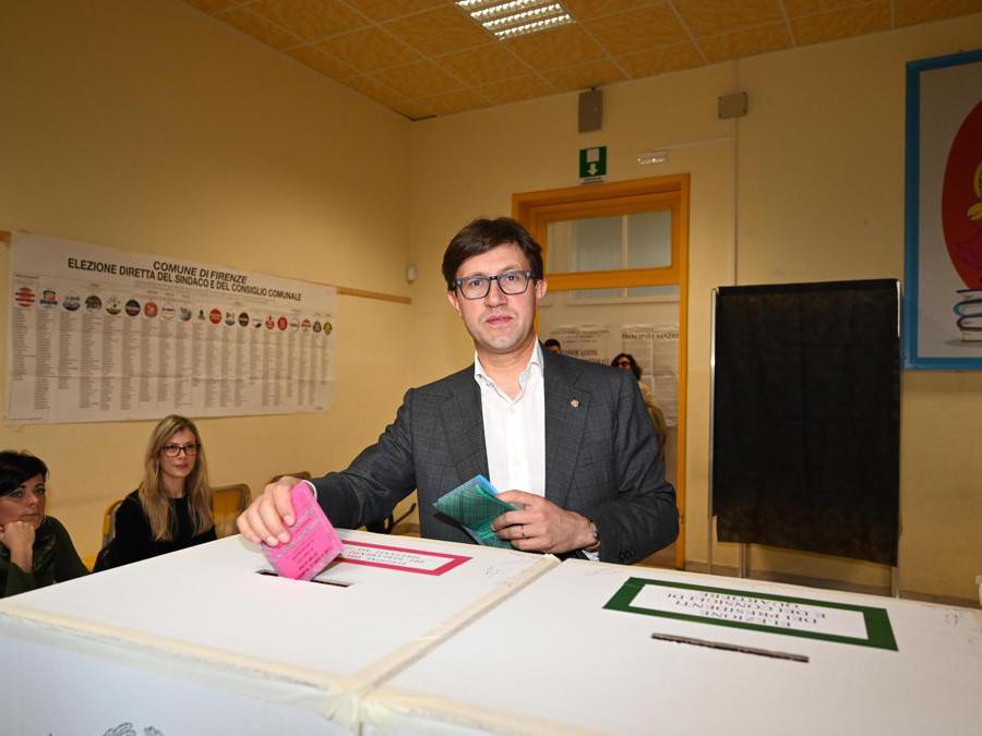 Il sindaco di Firenze uscente Dario Nardella  (Ansa/Claudio Giovannini)