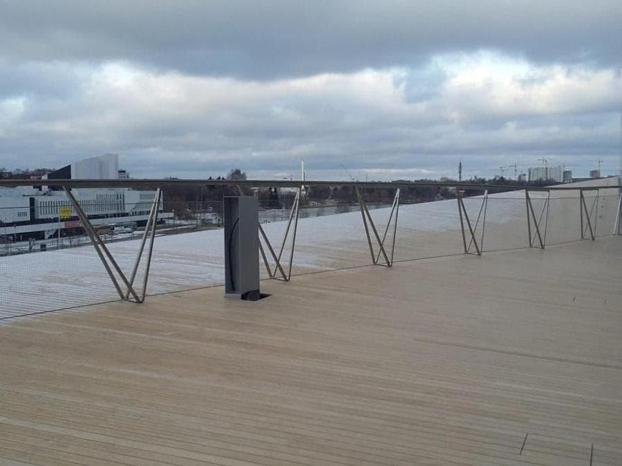 La vista sulla terrazza davanti la Finlandia Hall di Alvar Aalto