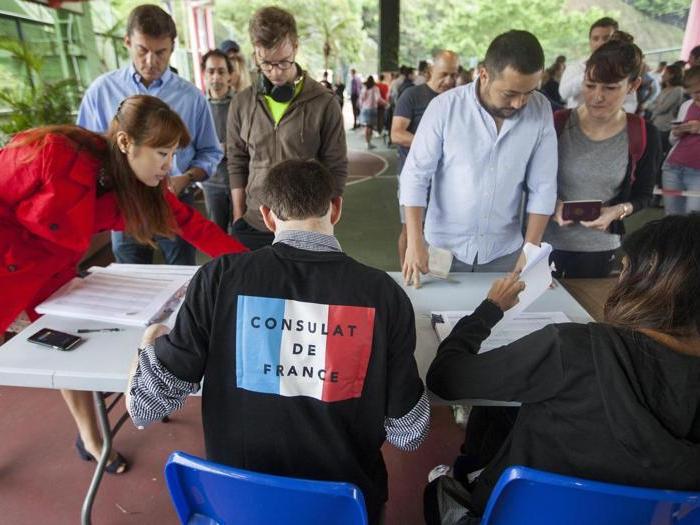 Francia, il giorno del voto