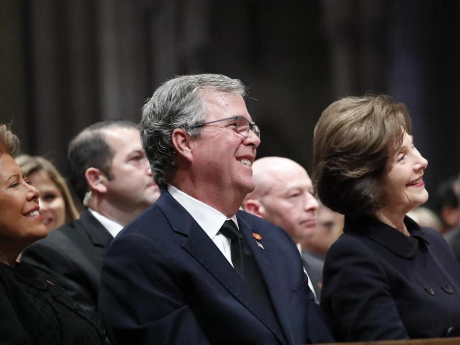 Columba Bush, Jeb Bush and Laura Bush l (AP Photo/Alex Brandon, Pool)