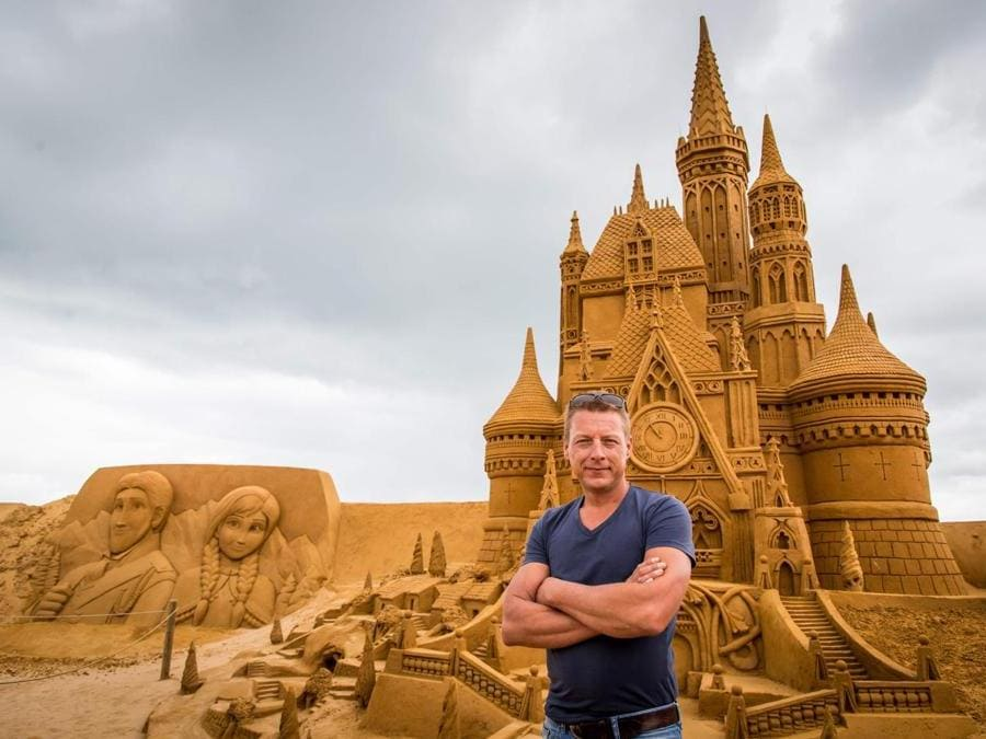 Alexander Deman, organizzatore della mostra Disney Sand Magic