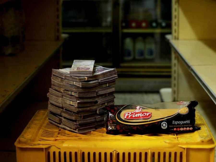 Caracas, circa  2.500.000 bolivar per un chilo di pasta (Reuters)