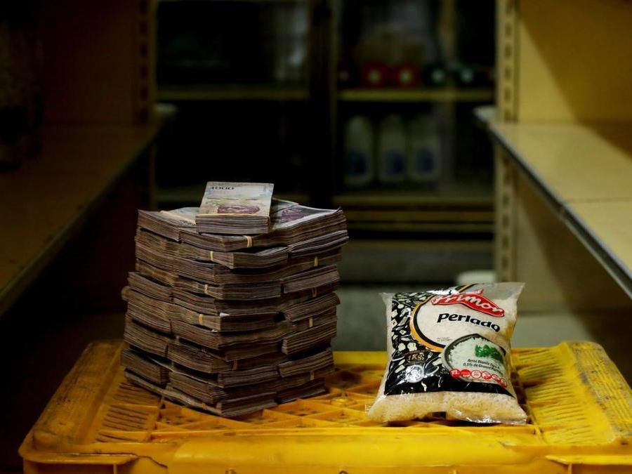 Caracas, circa 2.500.000 bolivar per un chilo di riso (Reuters)