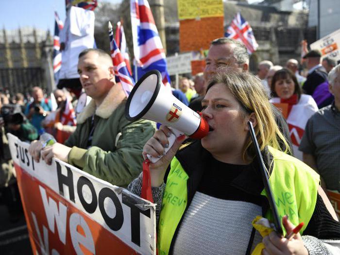 Londra, sfilano in piazza i pro-Brexit