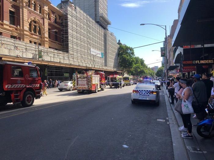 Melbourne auto sulla folla: 16 i feriti
