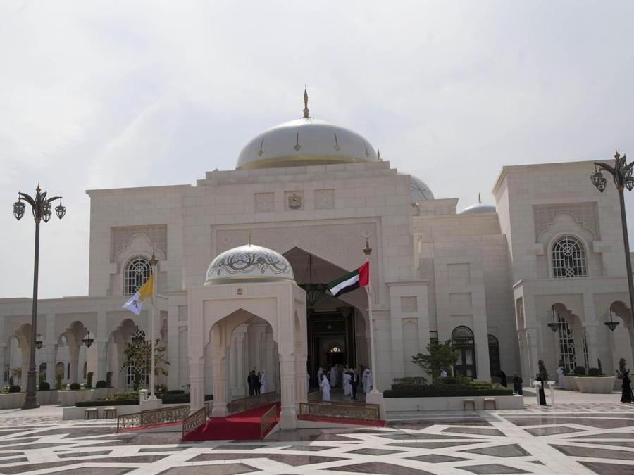 Il Palazzo Presidenziale di Abu Dhabi. ANSA/LUCA ZENNARO