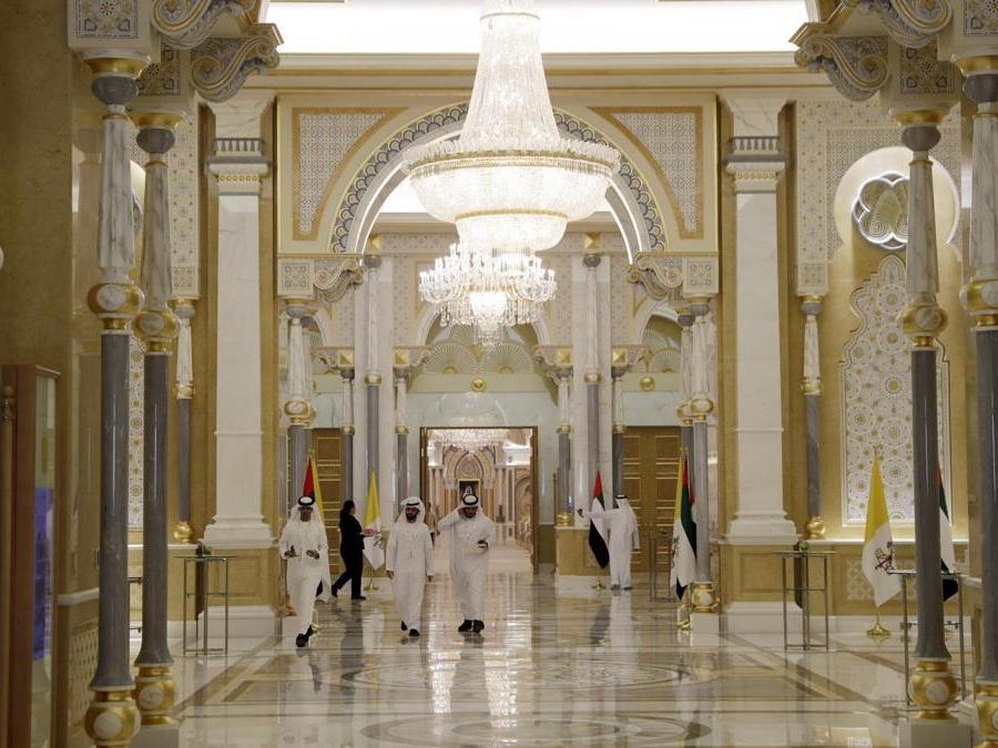 L'interno del Palazzo Presidenziale di  Abu Dhabi. (AP Photo/Andrew Medichini)