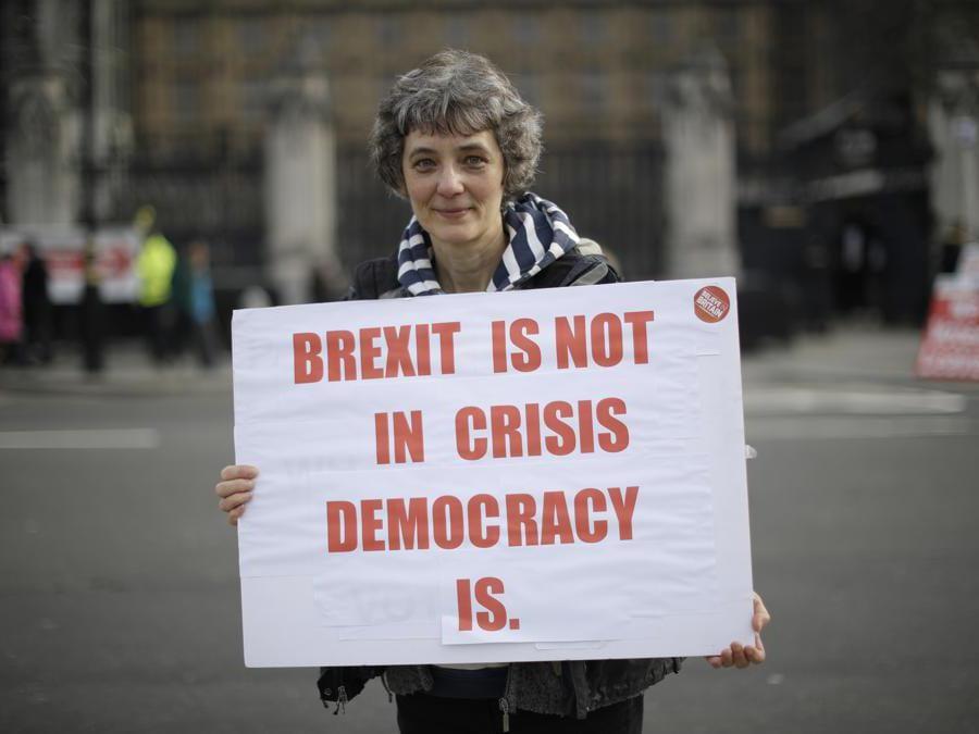 Supporter di Brexit.  (AP Photo/Matt Dunham)