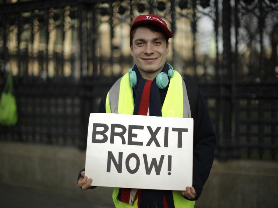 Supporter di Brexit. (AP Photo/Matt Dunham)