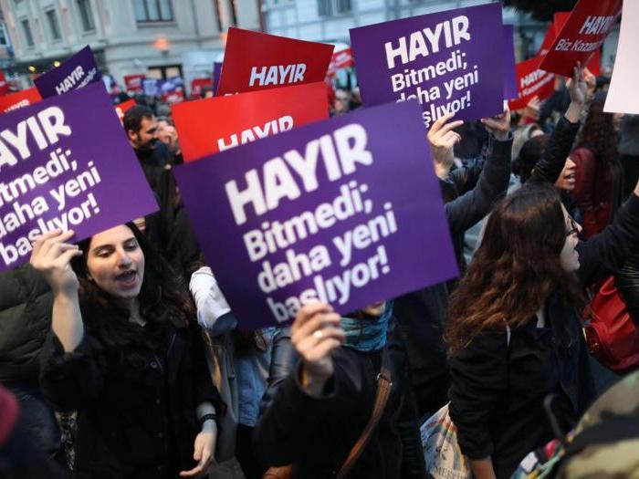 Referendum Turchia, le proteste del fronte del «No»