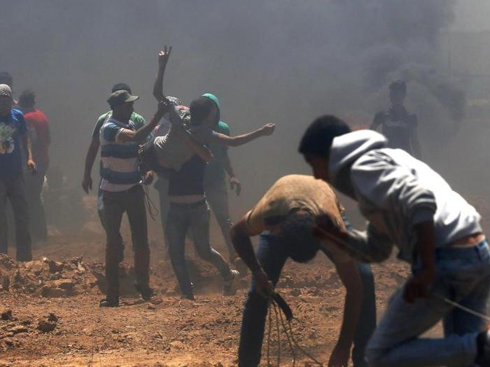 Scontri a Gaza tra palestinesi ed esercito israeliano, vittime
