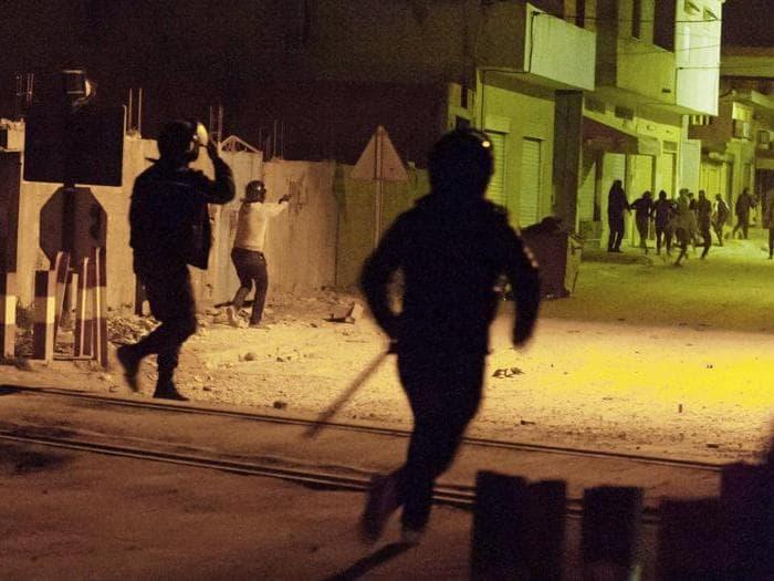 Tunisia in piazza contro carovita e tagli alla spesa