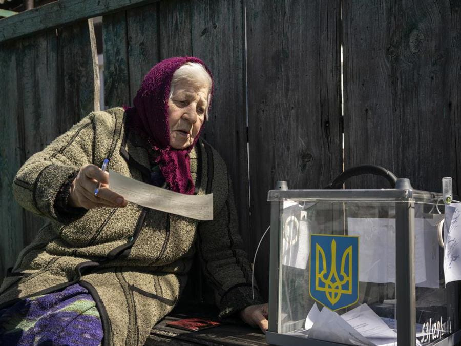 (AP Photo/Evgeniy Maloletka)