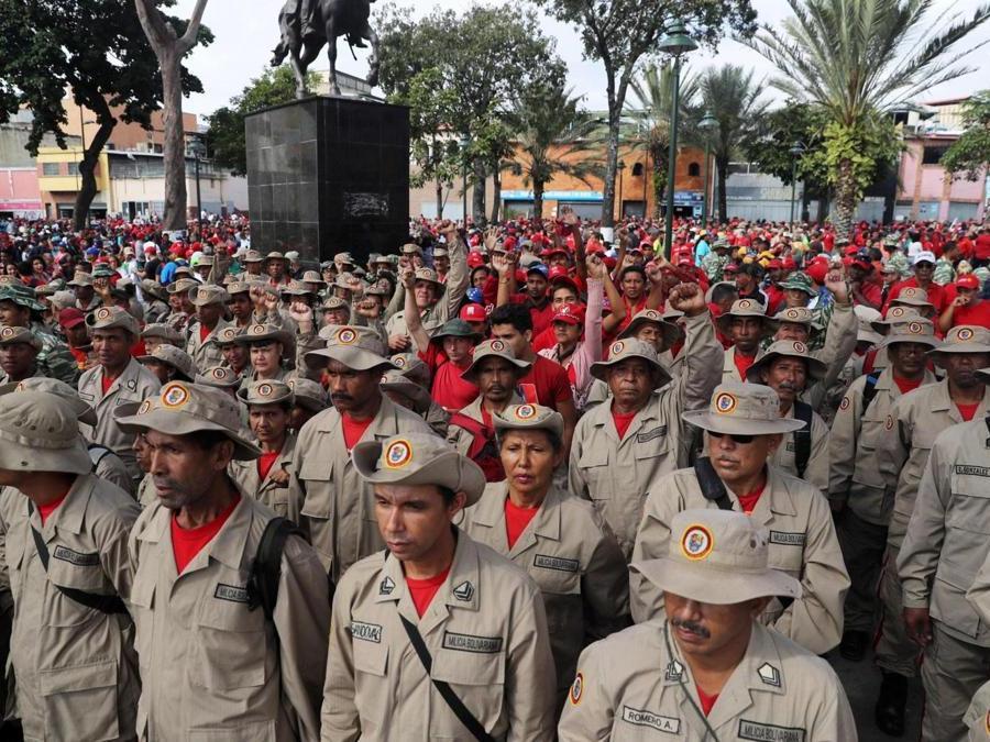 MAnifestanti pro-Maduro (EPA/Miguel Gutierrez)
