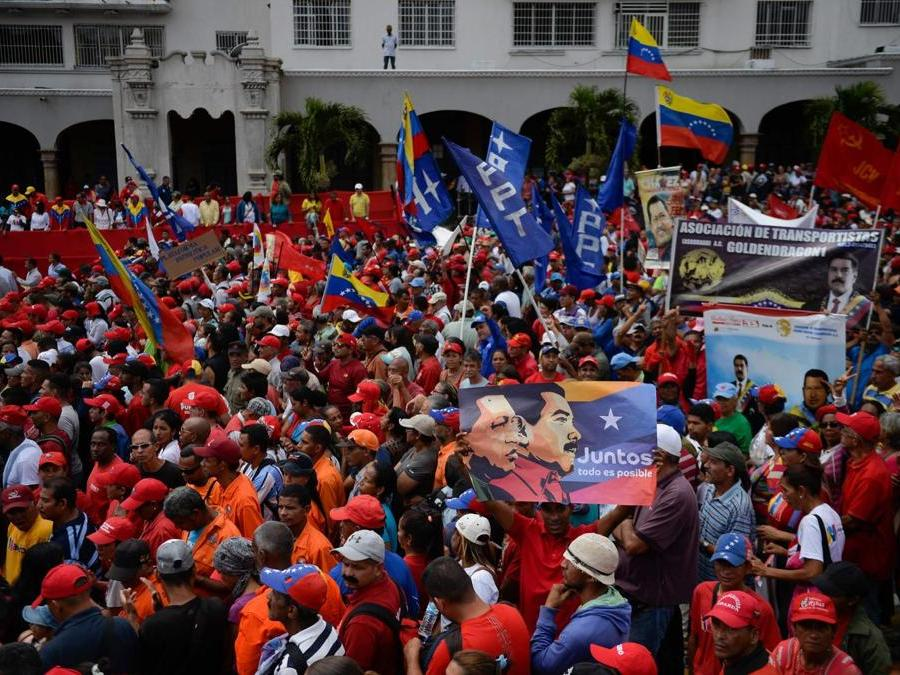 Supporters pro- Maduro (Photo by Luis ROBAYO / AFP)