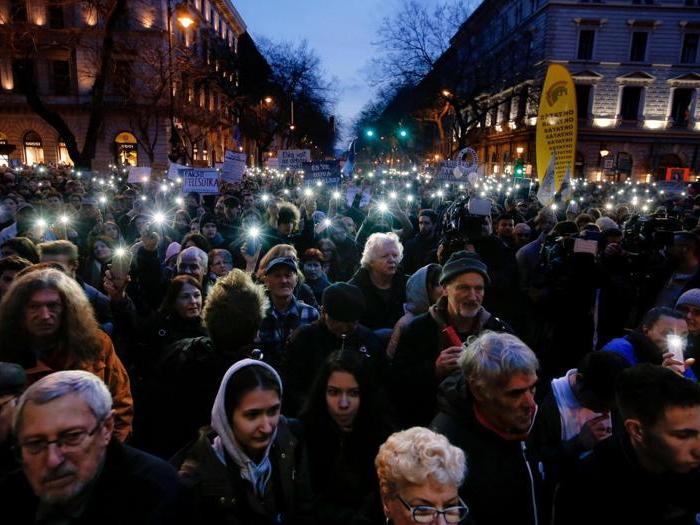 Voto in Ungheria: pro e contro Orban